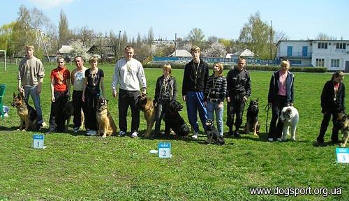 Павлоград. Команди-переможці естафети 400м по 100м