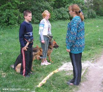 Юні учасники Дударєв Сергій з Рексом та Черніченко Неля з Сінді